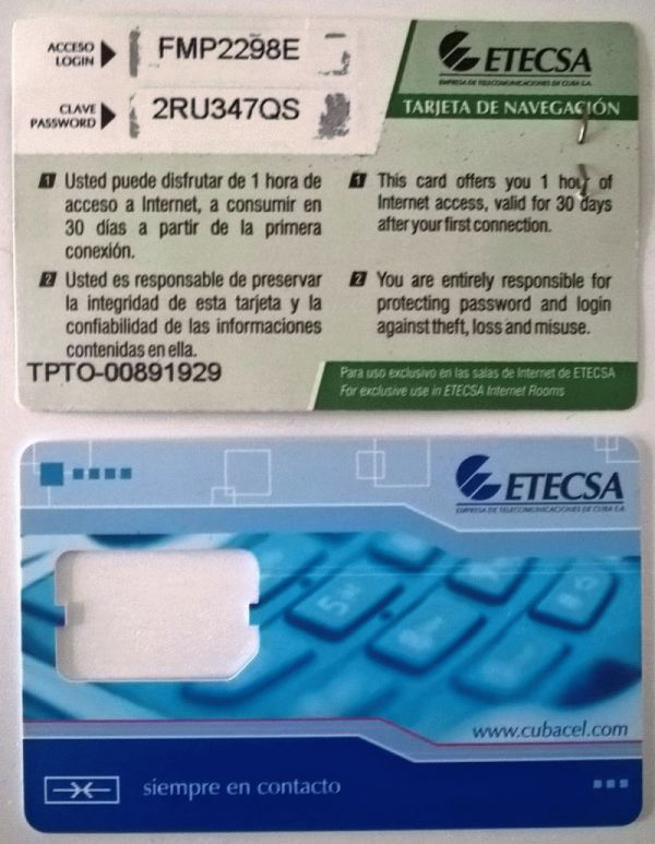 Foto: Internetkarte und SIM-Karten-Halter von ETECSA