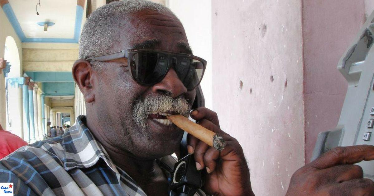Bild eines Münztelefons zum Thema Kuba Sprache