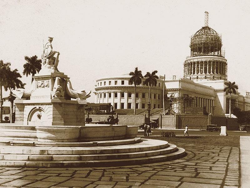 Altes Bild: Das Capitolio im Bau