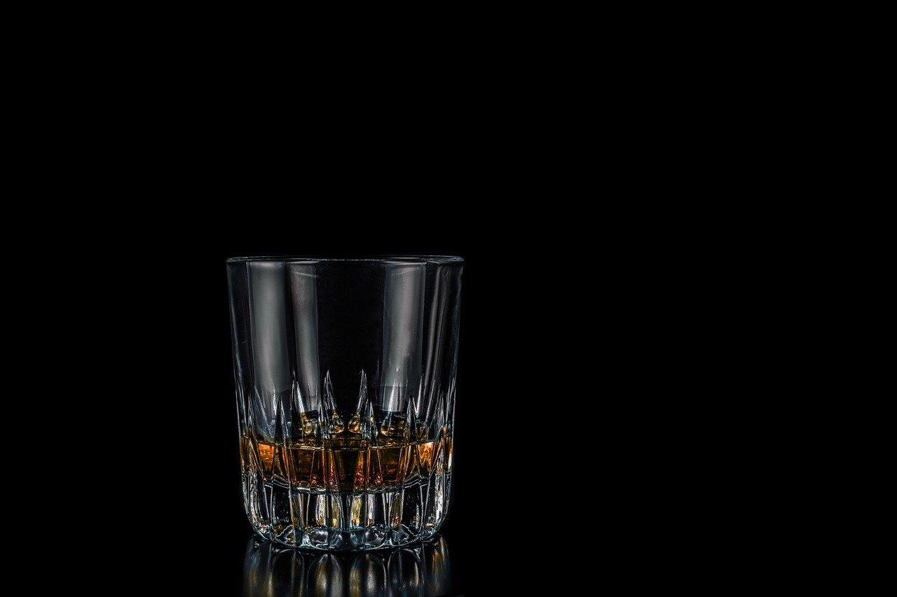 Foto: Glas mit Rum