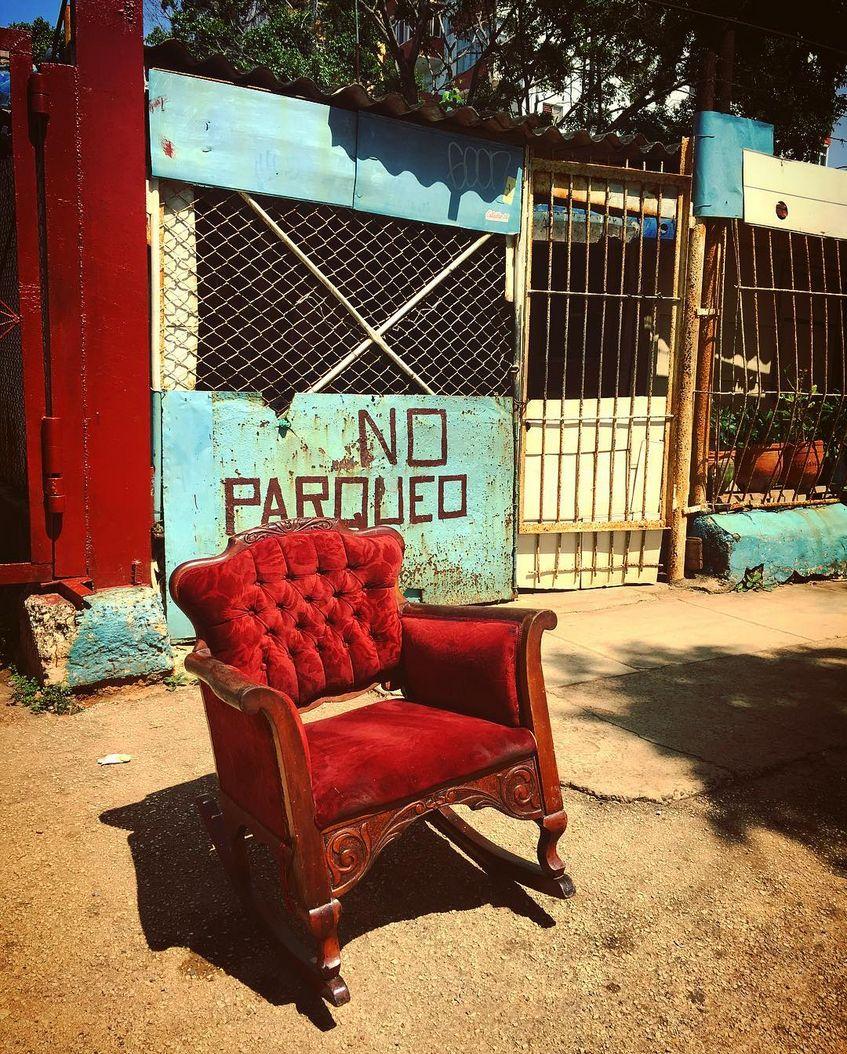 Foto eines Sessels, den wir per mobilem Internet an Instagram übertragen wollen