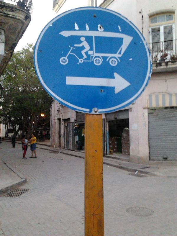 Street sign, Bicy Taxi to the right - understandably without learning Spanish!