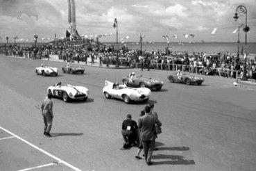 Altes Foto: Autorennen auf dem Malcón in den 50er Jahren