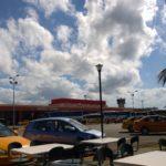 An kubanischen Flughäfen kann man nach der Sicherheitskontrolle nur noch mit Euro, Dollar & Co bezahlen.
